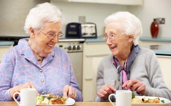 Cách chăm sóc chân dành cho người cao tuổi