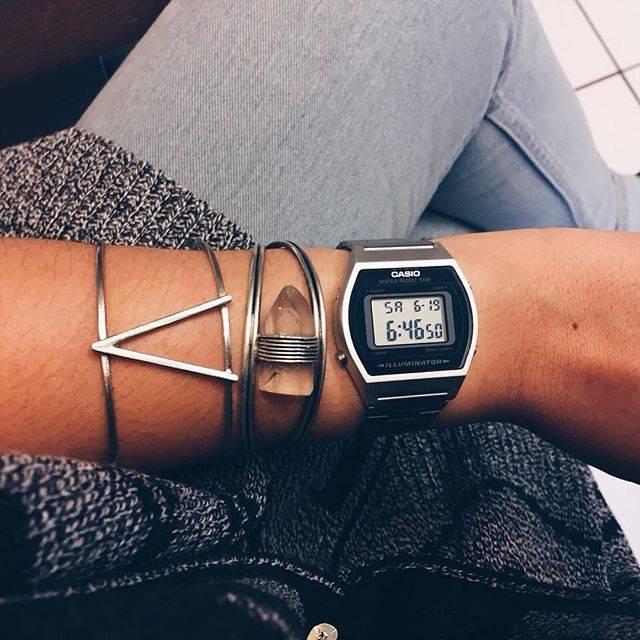 Chọn và   mix phụ kiện cùng đồng hồ nam điện tử cực chất